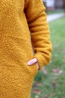 RESTSTÜCK  80 cm Boucle Stoff Schafslöckchen elastisch, senfgelb