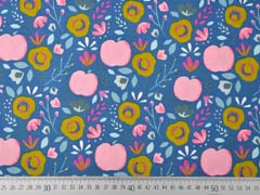 Baumwollstoff Äpfel Blumen, rosa mittelblau