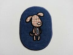 Flicken  oval, 9,5 x 7 cm, Hund auf Jeans
