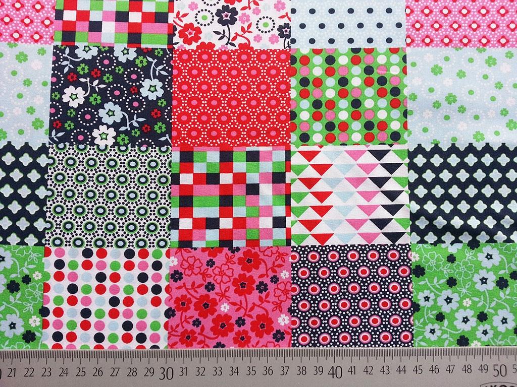 patchwork look quadrate versch muster rot navy wunderland der stoffe weidenweg 5 40822. Black Bedroom Furniture Sets. Home Design Ideas
