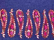 Jeansstoff Bordüre Paisley Stickerei, rot dunkelblau