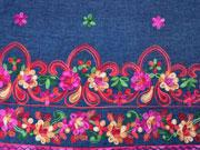 RESTSTÜCK 41 cm Jeans Bordüre Lilien Stickerei, rot jeansblau