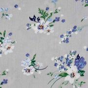 Viskose Crepe Stoff Blusenstoff Blumen Zweige Blätter, blau weiß hellgrau