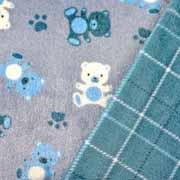 Wellnessfleece Bären Karo Doubleface, hellblau auf grau
