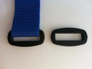 2 D-Ringe Kunststoff 3 cm abgerundete Ecken, schwarz