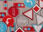 Baumwollstoff Straßenschilder, grau rot